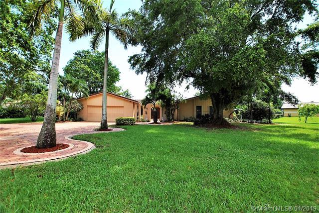 3901 NW 101st Dr, Coral Springs, FL 33065 (MLS #A10594338) :: The Teri Arbogast Team at Keller Williams Partners SW