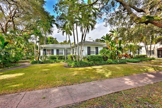 3618 Palmarito St, Coral Gables, FL 33134 (MLS #A10595256) :: The Maria Murdock Group