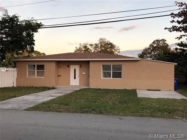 1350 SW 32nd Ave, Fort Lauderdale, FL 33312 (MLS #A10595475) :: The Teri Arbogast Team at Keller Williams Partners SW
