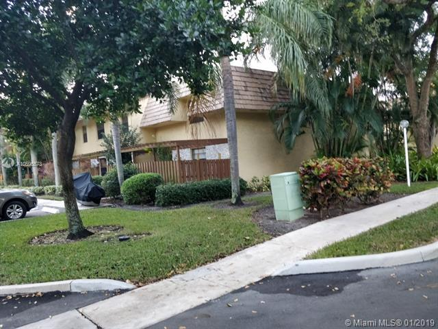 7970 NW 11th Ct #7970, Plantation, FL 33322 (MLS #A10596673) :: The Teri Arbogast Team at Keller Williams Partners SW