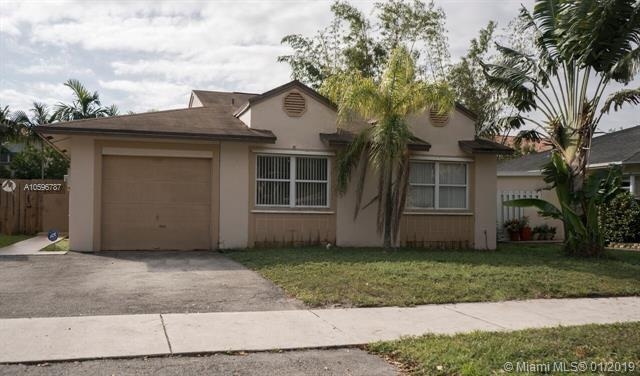 9930 SW 59th Ct, Cooper City, FL 33328 (MLS #A10596787) :: The Chenore Real Estate Group
