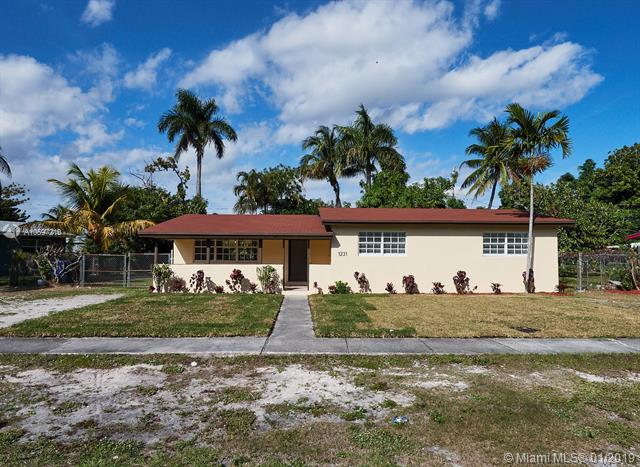 1231 NW 18th St, Fort Lauderdale, FL 33311 (MLS #A10597210) :: The Teri Arbogast Team at Keller Williams Partners SW