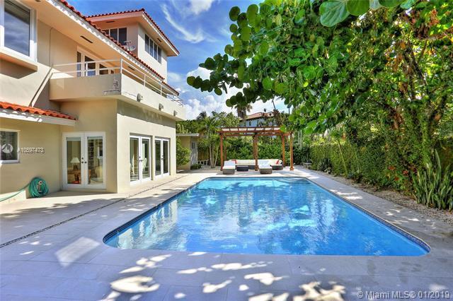 370 Harbor Lane, Key Biscayne, FL 33149 (MLS #A10597473) :: Carole Smith Real Estate Team