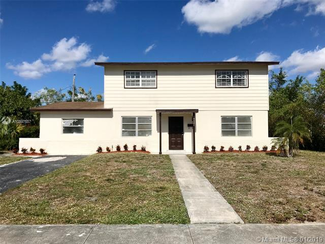5321 NW 12th St, Lauderhill, FL 33313 (MLS #A10597657) :: The Teri Arbogast Team at Keller Williams Partners SW