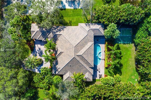10805 Indian Trl, Cooper City, FL 33328 (MLS #A10597691) :: Green Realty Properties