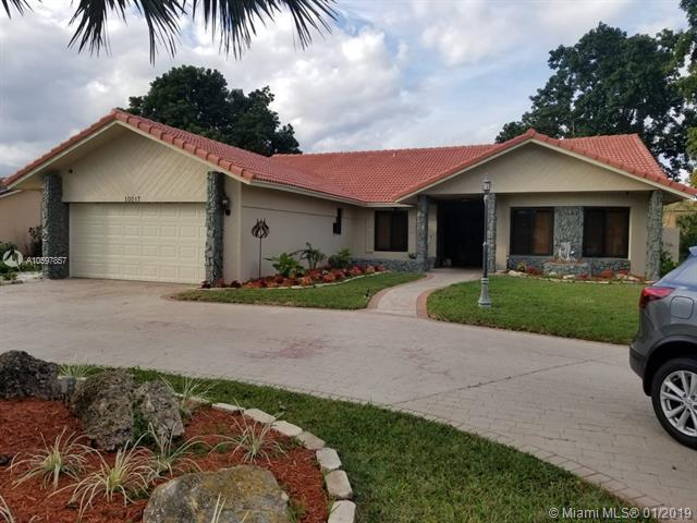 10017 NW 20th St, Coral Springs, FL 33071 (MLS #A10597857) :: The Teri Arbogast Team at Keller Williams Partners SW