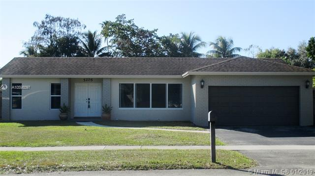 5205 SW 87th Ter, Cooper City, FL 33328 (MLS #A10598097) :: The Chenore Real Estate Group