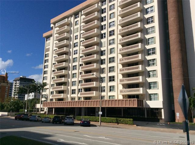 625 Biltmore Way #205, Coral Gables, FL 33134 (MLS #A10598142) :: The Maria Murdock Group