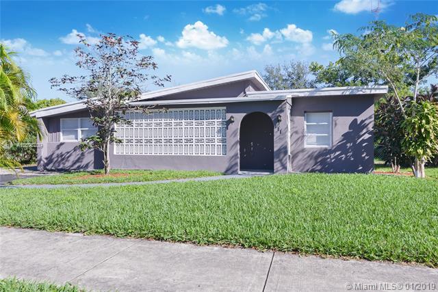 111 Marion Rd, West Park, FL 33023 (MLS #A10598209) :: The Teri Arbogast Team at Keller Williams Partners SW