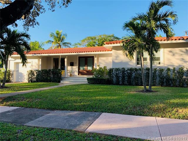 1545 Certosa Ave, Coral Gables, FL 33146 (MLS #A10598741) :: The Maria Murdock Group