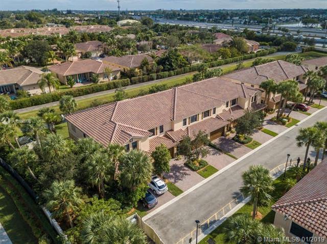 102 E Riverwalk Cir E #102, Plantation, FL 33325 (MLS #A10598776) :: Prestige Realty Group