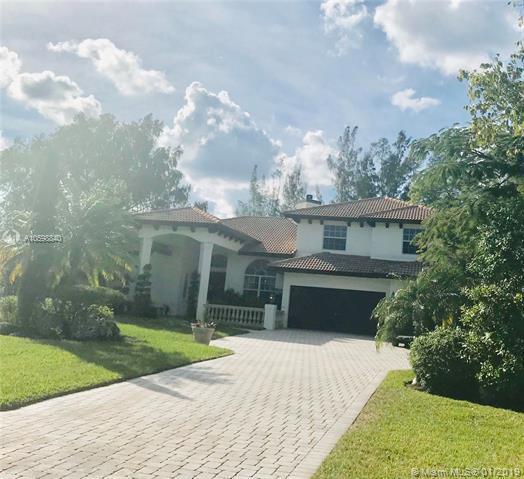 6211 NW 69th Way, Parkland, FL 33067 (MLS #A10598840) :: The Paiz Group
