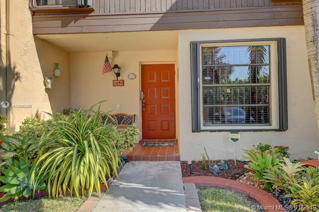 1251 NW 99th Ter #46, Pembroke Pines, FL 33024 (MLS #A10598869) :: Carole Smith Real Estate Team