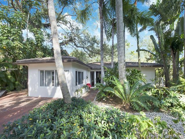 4141 Raynolds Avenue, Miami, FL 33133 (MLS #A10599486) :: The Teri Arbogast Team at Keller Williams Partners SW