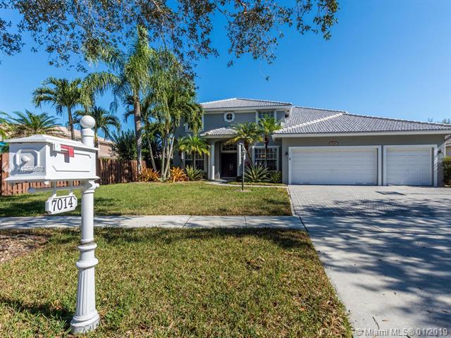 7014 Mariposa Cir Ct, Pembroke Pines, FL 33331 (MLS #A10599678) :: Green Realty Properties