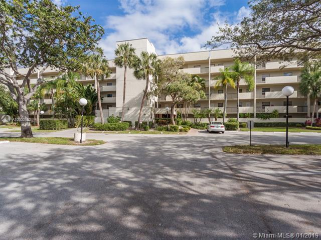 3050 NW 42nd Ave C102, Coconut Creek, FL 33066 (MLS #A10600100) :: The Teri Arbogast Team at Keller Williams Partners SW
