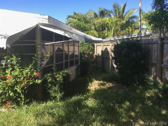 1725 NE 16th St, Fort Lauderdale, FL 33304 (MLS #A10600165) :: The Brickell Scoop