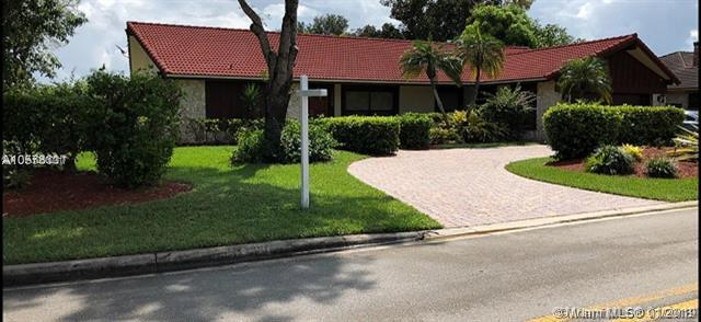 11200 NW 10th Mnr, Coral Springs, FL 33071 (MLS #A10600317) :: The Teri Arbogast Team at Keller Williams Partners SW