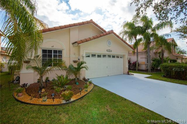 17672 SW 5th St, Pembroke Pines, FL 33029 (MLS #A10600656) :: ONE Sotheby's International Realty