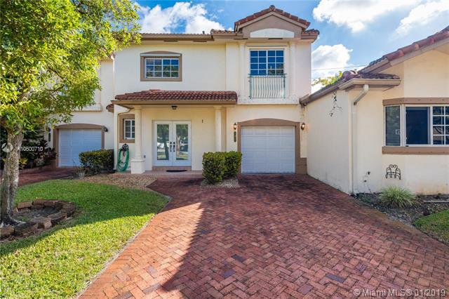 5930 SW 99th Ter, Cooper City, FL 33328 (MLS #A10600710) :: The Chenore Real Estate Group