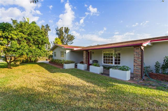 16700 SW 51st Ct, Southwest Ranches, FL 33331 (MLS #A10600860) :: The Teri Arbogast Team at Keller Williams Partners SW