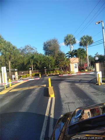 8010 Hampton Blvd #103, North Lauderdale, FL 33068 (MLS #A10600925) :: The Teri Arbogast Team at Keller Williams Partners SW