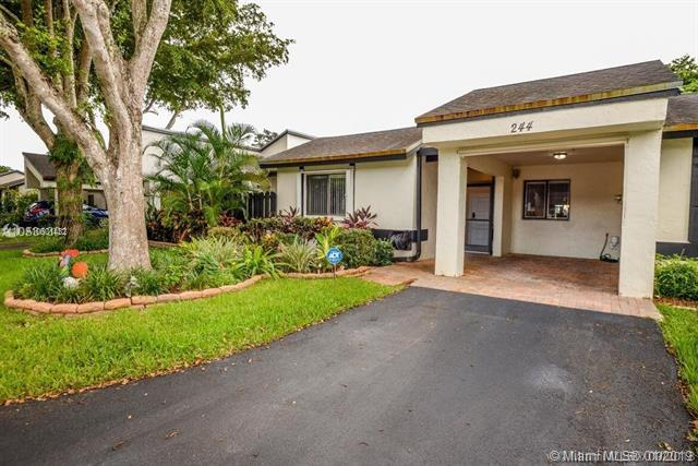 244 Fairway Cir #86, Weston, FL 33326 (MLS #A10601432) :: The Chenore Real Estate Group