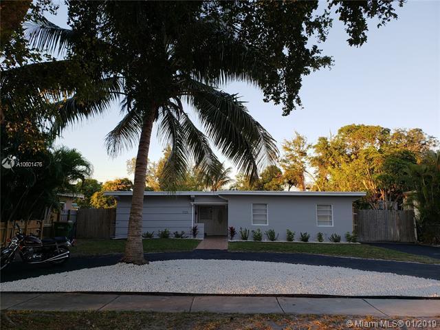 1025 NE 143rd St, North Miami, FL 33161 (MLS #A10601476) :: The Jack Coden Group