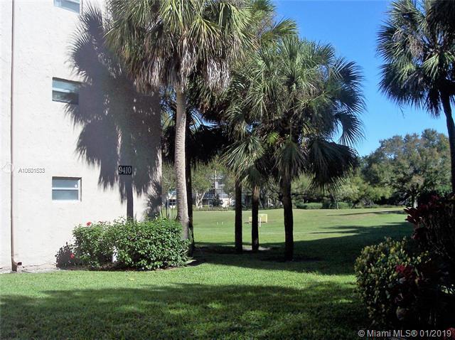 9410 Tangerine Place #101, Davie, FL 33324 (MLS #A10601533) :: The Teri Arbogast Team at Keller Williams Partners SW