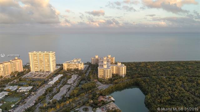 1121 Crandon Blvd D503, Key Biscayne, FL 33149 (MLS #A10601689) :: The Maria Murdock Group