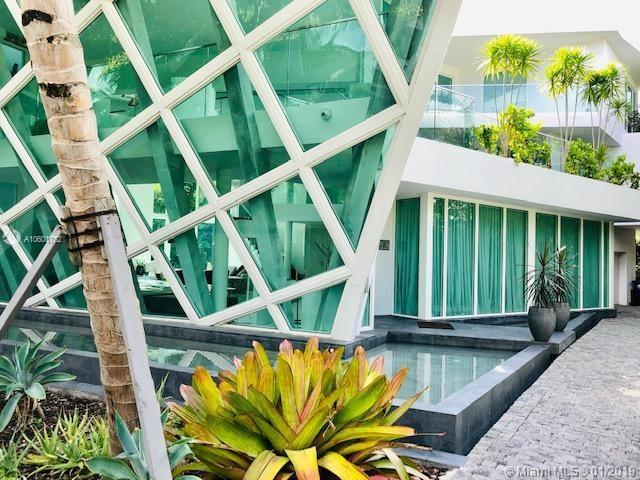 Golden Beach, FL 33160 :: ONE Sotheby's International Realty