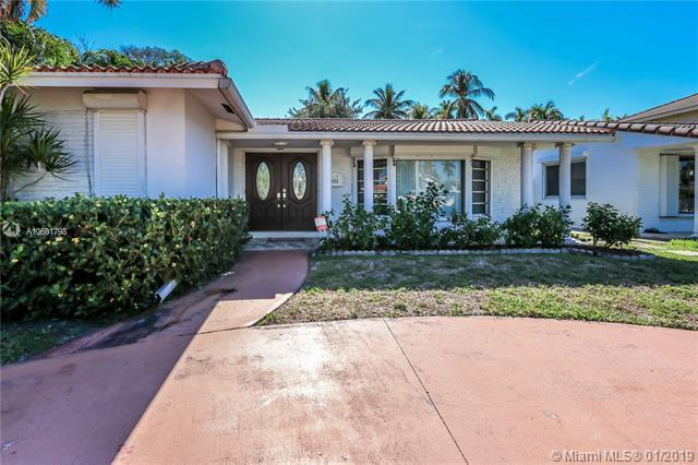 1112 Hollywood Blvd, Hollywood, FL 33019 (MLS #A10601798) :: The Chenore Real Estate Group