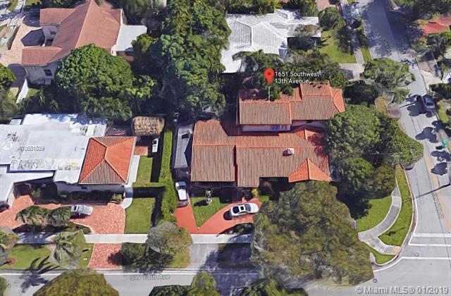 1651 SW 13th Ave, Miami, FL 33145 (MLS #A10601839) :: The Brickell Scoop
