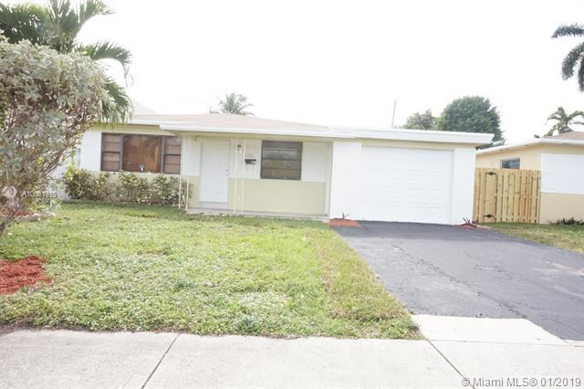 2302 Pierce St, Hollywood, FL 33020 (MLS #A10601918) :: The Chenore Real Estate Group
