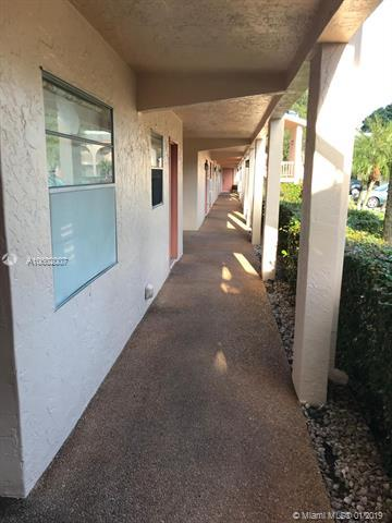 1206 Bahama Bnd E1, Coconut Creek, FL 33066 (MLS #A10602007) :: The Teri Arbogast Team at Keller Williams Partners SW