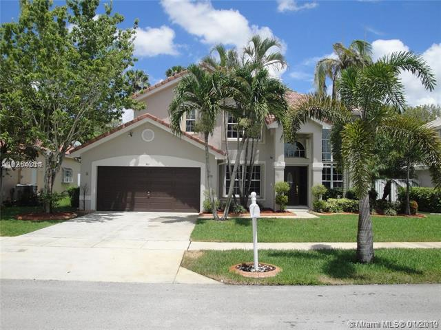 561 SW 178th Way, Pembroke Pines, FL 33029 (MLS #A10602115) :: The Chenore Real Estate Group