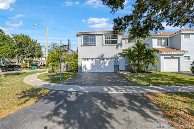 11571 S Open Ct, Cooper City, FL 33026 (MLS #A10602158) :: The Chenore Real Estate Group