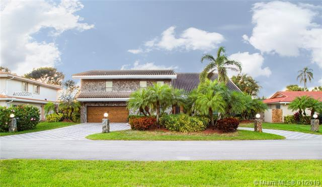 451 W Lake Dasha Dr, Plantation, FL 33324 (MLS #A10602501) :: Prestige Realty Group