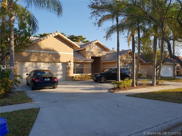16365 NW 11th St, Pembroke Pines, FL 33028 (MLS #A10602761) :: The Teri Arbogast Team at Keller Williams Partners SW