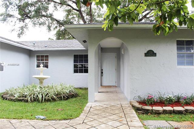 1735 SW 25th Ave, Fort Lauderdale, FL 33312 (MLS #A10603128) :: The Teri Arbogast Team at Keller Williams Partners SW