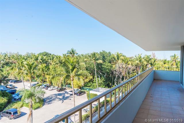 155 Ocean Lane Dr #500, Key Biscayne, FL 33149 (MLS #A10603172) :: Carole Smith Real Estate Team