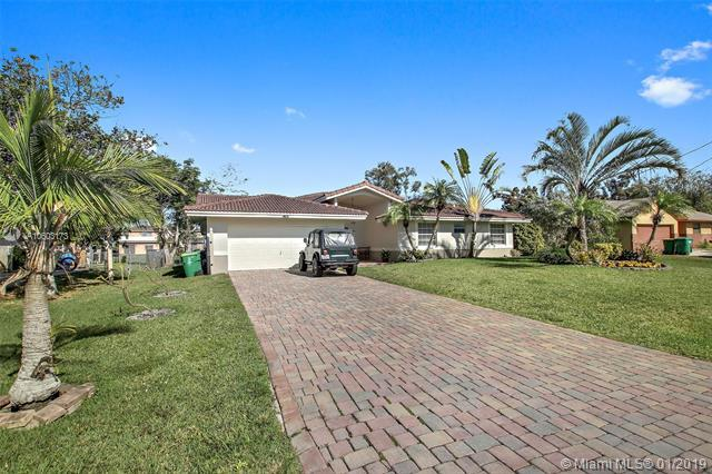 11461 NW 27th Ct, Plantation, FL 33323 (MLS #A10603173) :: The Teri Arbogast Team at Keller Williams Partners SW