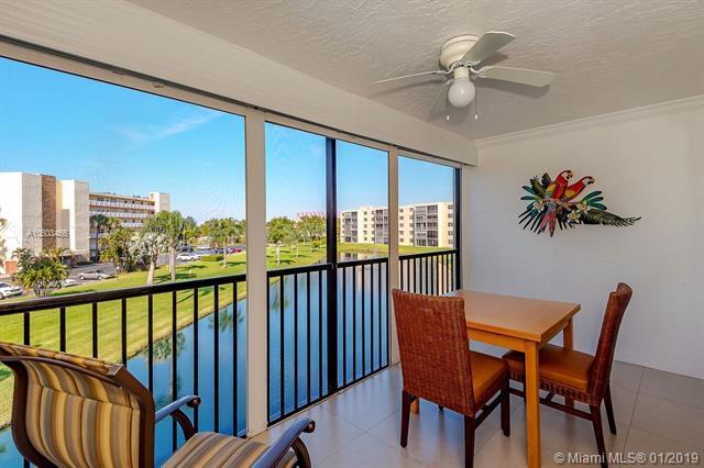 190 SE 5th Ave #303, Dania Beach, FL 33004 (MLS #A10603466) :: Castelli Real Estate Services