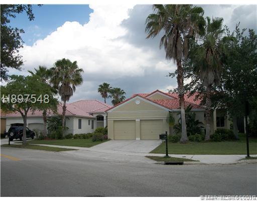 1290 Camellia Ln, Weston, FL 33326 (MLS #A10603545) :: The Teri Arbogast Team at Keller Williams Partners SW