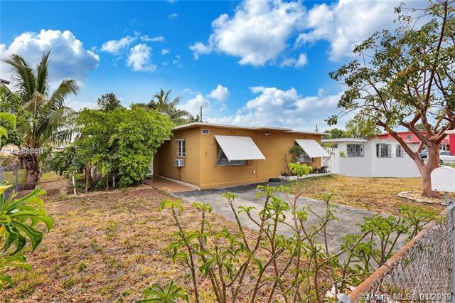 1041 E 6th Ave, Hialeah, FL 33010 (MLS #A10603611) :: Green Realty Properties