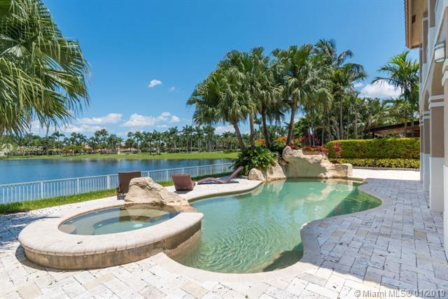 6161 NW 112th Ct, Doral, FL 33178 (MLS #A10603640) :: Carole Smith Real Estate Team