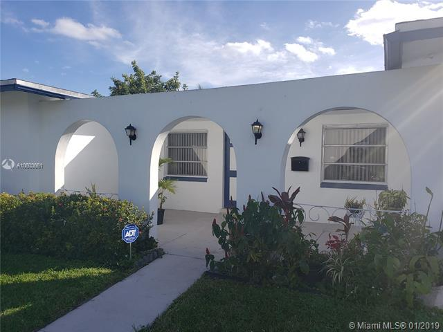 3370 NW 23rd St, Lauderdale Lakes, FL 33311 (MLS #A10603661) :: The Teri Arbogast Team at Keller Williams Partners SW