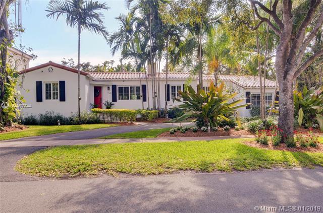 740 Navarre Ave, Coral Gables, FL 33134 (MLS #A10603844) :: Carole Smith Real Estate Team