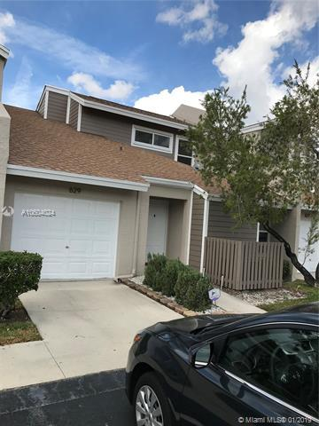 629 Woodgate Cir B, Sunrise, FL 33326 (MLS #A10604024) :: Green Realty Properties