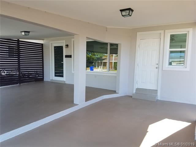 6940 SW 10th St, Pembroke Pines, FL 33023 (MLS #A10604116) :: Green Realty Properties